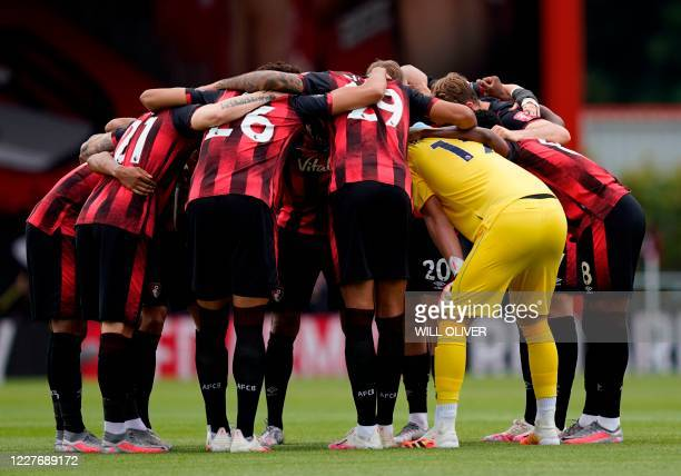 Bournemouth players concentrate prior the kick off of the English Premier League football match between Bournemouth and Southampton at the Vitality...