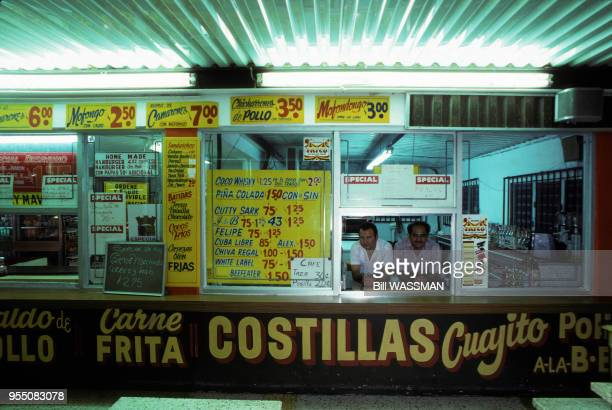 Boutique de restauration rapide à Arecibo en février 1984 Porto Rico