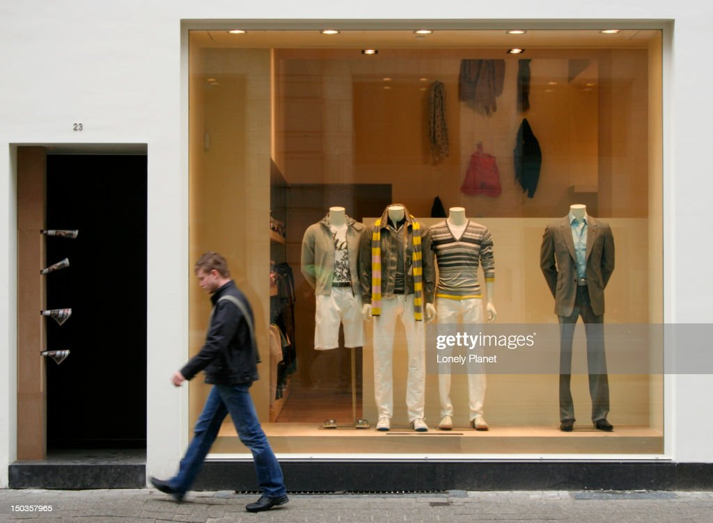 Boutique on Nationalestraat opposite the MoMu (Fashion Museum). : ストックフォト