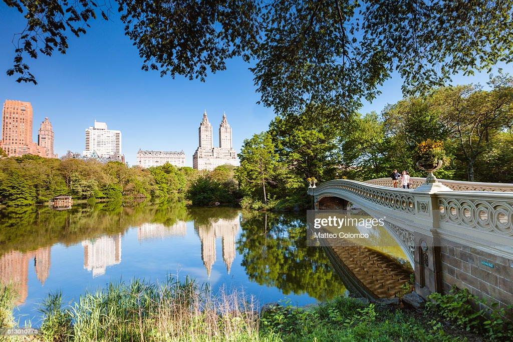 Bow bridge in springtime, Central Park, New York : Stock Photo