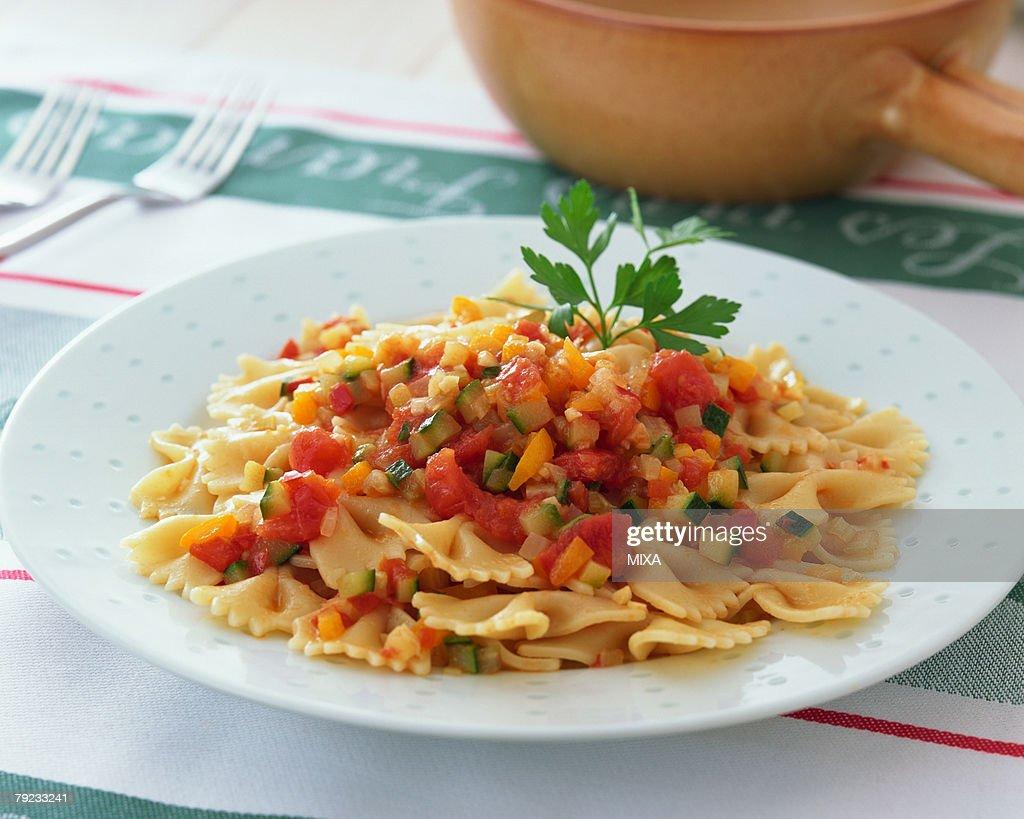 Bow tie pasta : Stock Photo