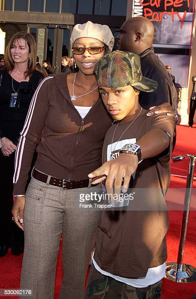 Bow Wow and his mother arrive at the 31st Annual American Music Awards at the Shrine Auditorium