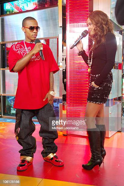 Bow Wow and MTV VJ Vanessa Minnillo during The Kilers and Bow Wow Visit MTV's TRL October 25 2006 at MTV Studios Times Square in New York City New...