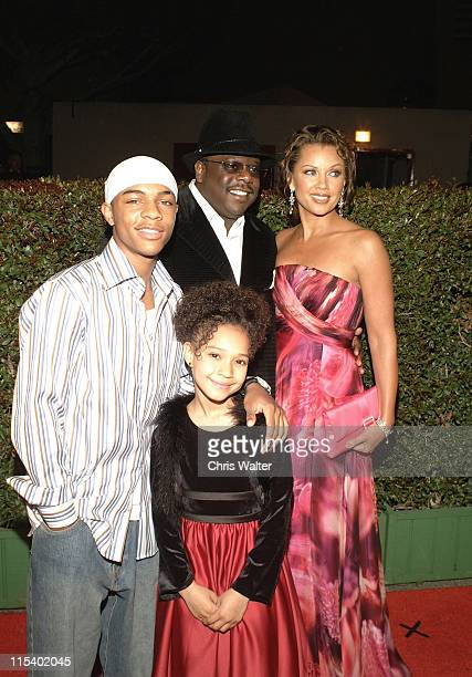 Bow Wow Cedric The Entertainer Vanessa Williams and Gabby Soleil from movie 'Johnson Family Vacation'