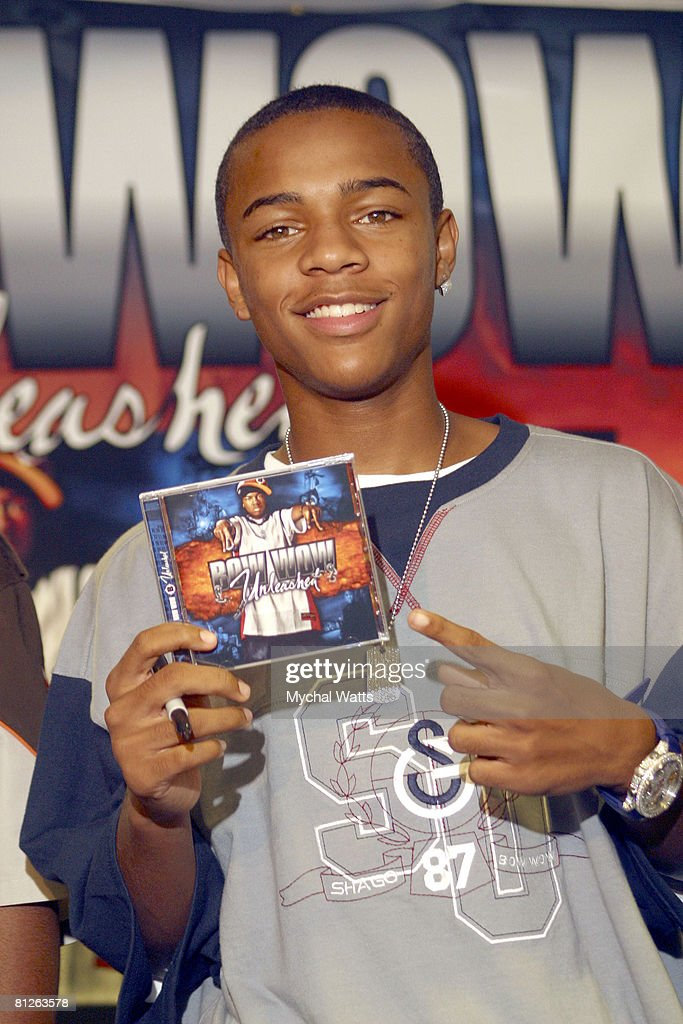 "Bow Wow In Store CD Signing For his latest CD ""Unleashed"" - August 20, 2003 : News Photo"