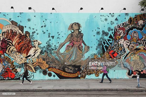 bowery の壁画画家 swoon 壁、ハリケーン「サンディ」の記念館 - ヒューストンストリート ストックフォトと画像