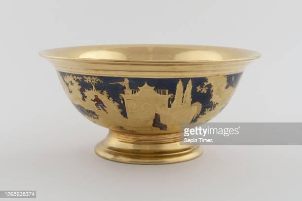 Bowl. C. 1820. Denuelle Porcelain Manufactory . France. Paris. Paris. Hard-paste porcelain. Polychrome enamels. And gilding. Diam. 21 cm.