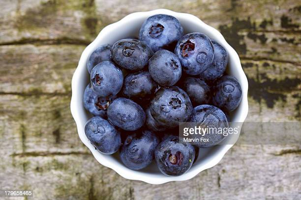 bowl of blueberries - yonago stock pictures, royalty-free photos & images