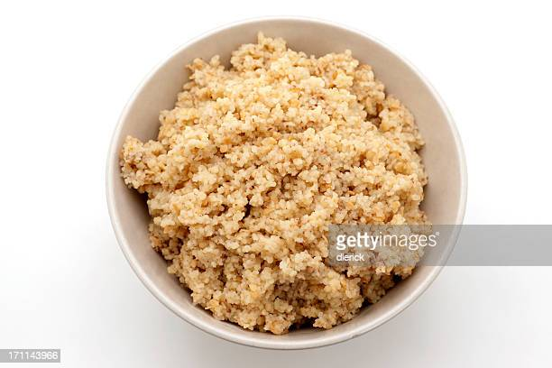 Schüssel zubereiteten couscous