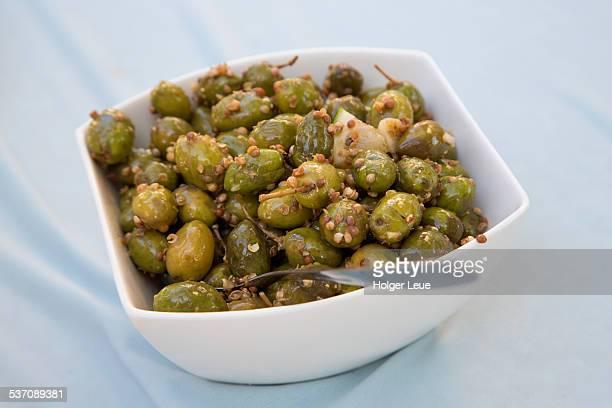 bowl of olives at skarinou taverna - repubblica di cipro foto e immagini stock