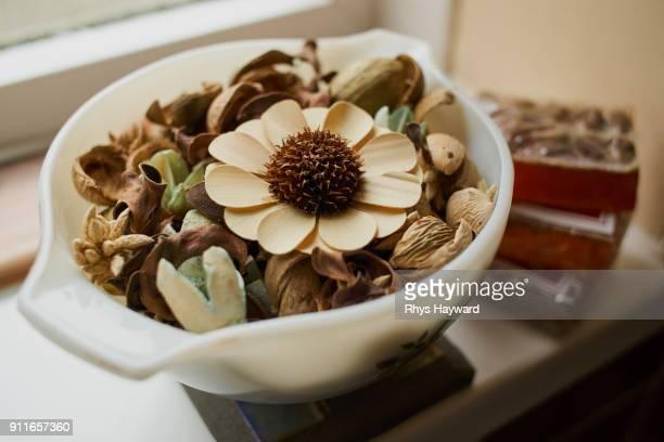 Bowl of Pot Pourri / Potpourri