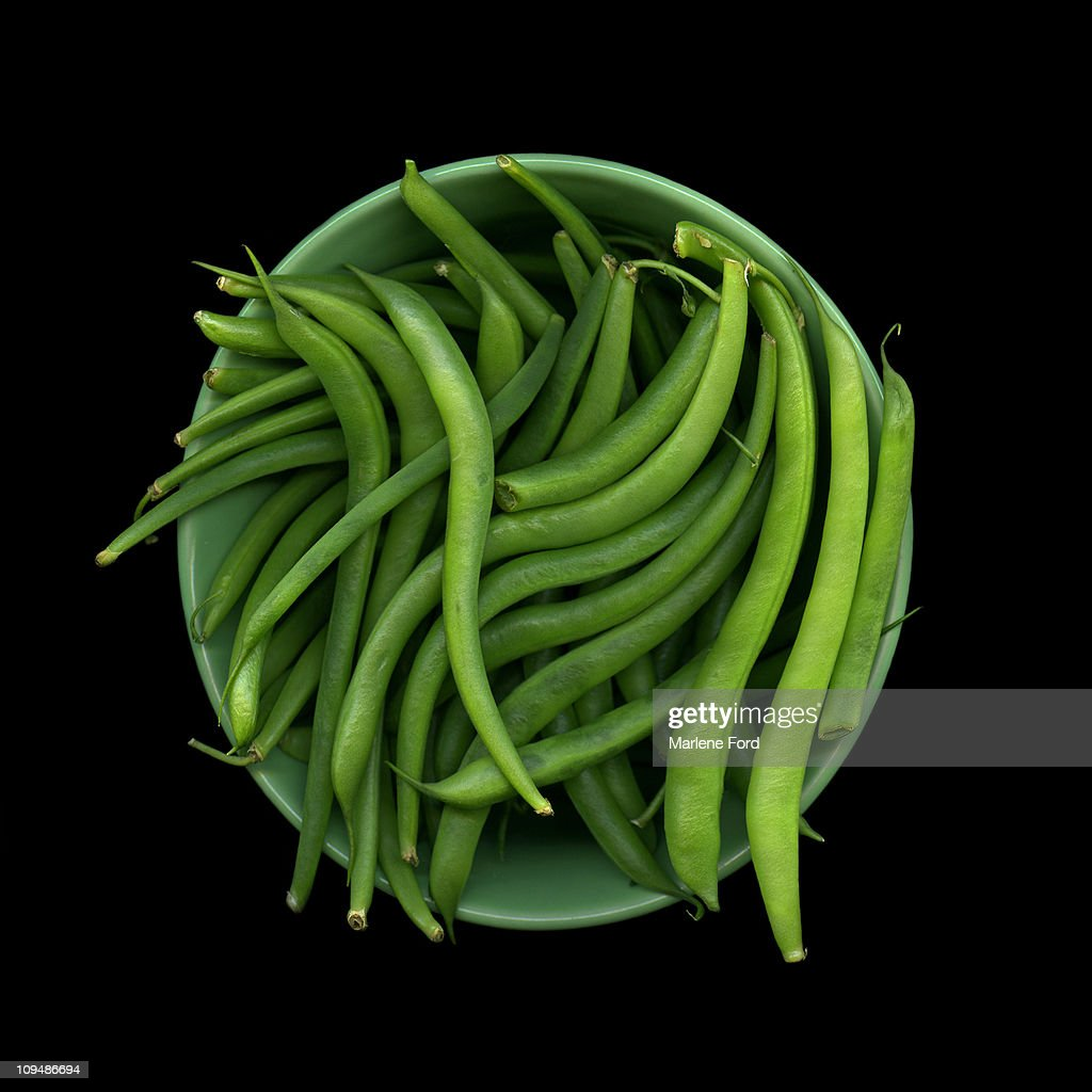 Bowl of raw green beans : Stock Photo