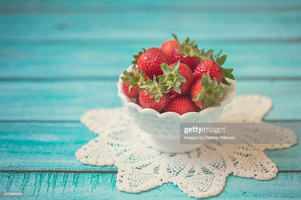 A bowl of strawberries : Stock Photo