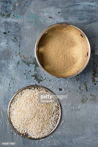 Bowl of uncooked amaranth and plate of popped amaranth