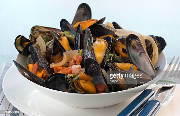 Bowl with mussels