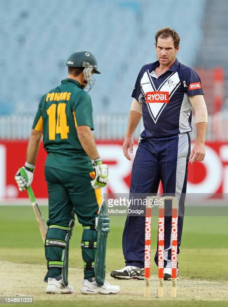 Bowler John Hastings of the Bushrangers looks towards Ricky Ponting of the Tigers during the Ryobi One Day Cup match between Victorian Bushrangers...