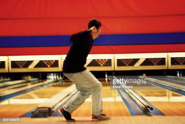 bowler - ボーリング場 ストックフォトと画像