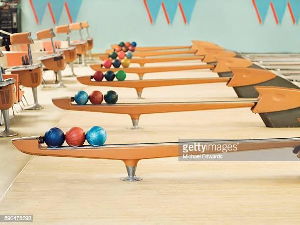 bowling - ボーリング場 ストックフォトと画像