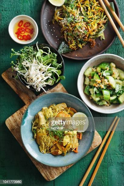 bols à nourriture japonaise - yōshoku photos et images de collection