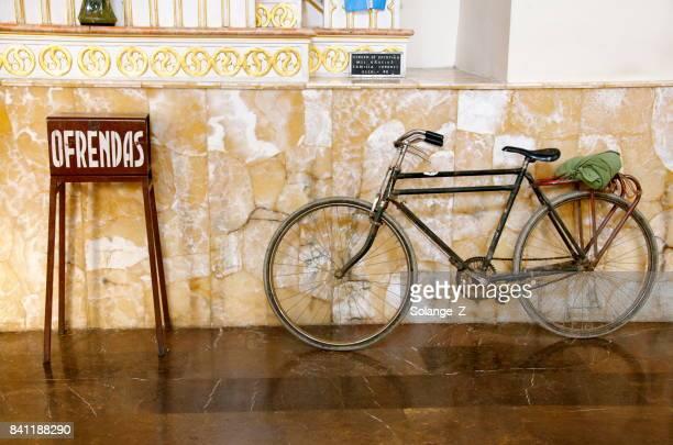 box offerings - cochabamba imagens e fotografias de stock