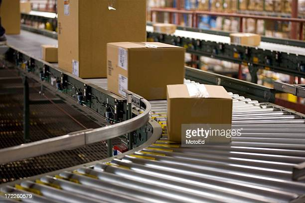 box - shipping in a warehouse - automation stock pictures, royalty-free photos & images