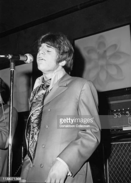 Box Tops singer Alex Chilton performs onstage at the Arthur Club at a press party hosted by Bell Records in 1968 in New York