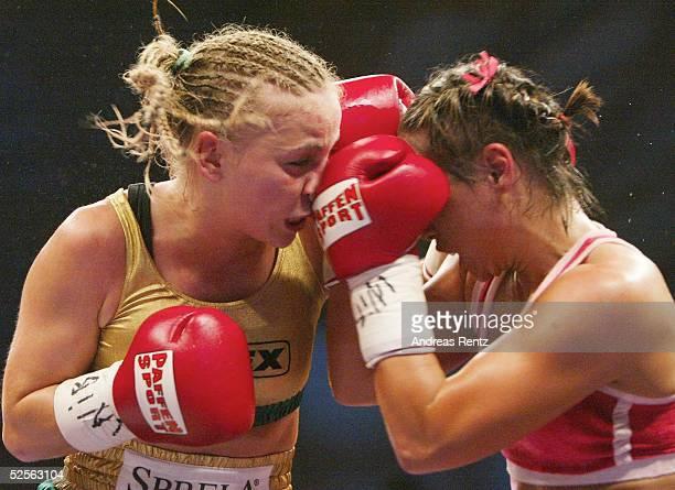 Boxen / Frauen WIBF WM Kampf im Fliegengewicht 2004 Karlsruhe Regina Halmich / GER Elena REID / USA Wertung Unentschieden HALMICH REID 110904