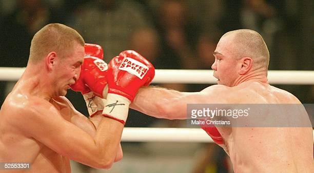 Boxen: IBF und WBA WM Kampf im Supermittelgewicht, Magdeburg; Sven Ottke / GER - Armand Krajnc / SWE; Seven OTTKE - IBF und WBA WM Sieger 27.03.04.