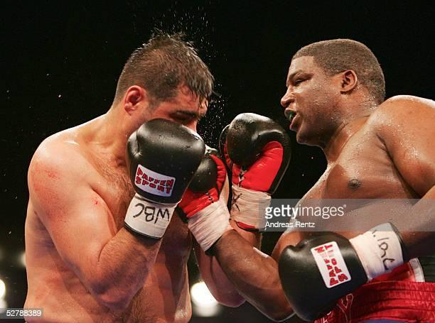 Boxen : WBC Internationale Meisterschaft im Schwergewicht 2005, Berlin, 12.02.05;Sinan Samil SAM /TUR - Lawrence CLAY-BRY/USA