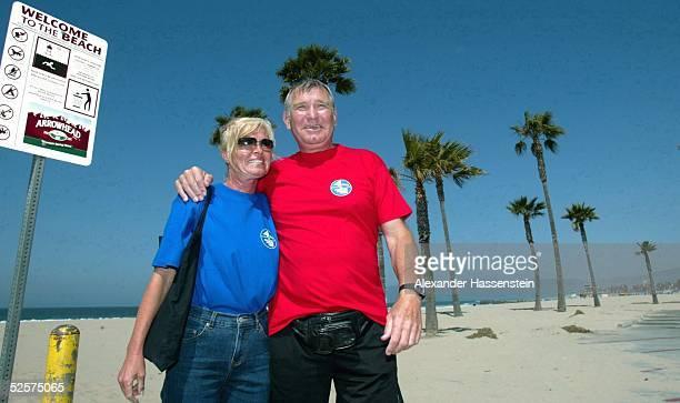 Boxen: WBC WM Kampf im Schwergewicht 2004, Los Angeles; Fritz SDUNEK und seine Frau Carola SDUNEK gehen an der Venice Beach spazieren 22.04.04.