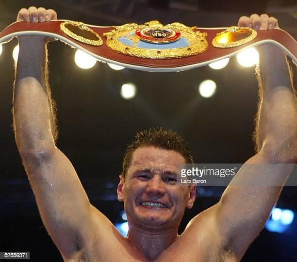 Boxen: WBO WM Kampf im Halbschwergewicht, Dortmund; Zsolt ERDEI / GER - Hugo Hernan GARAY / ARG; Freude bei Sieger Zsolt ERDEI / HUN 08.05.04.