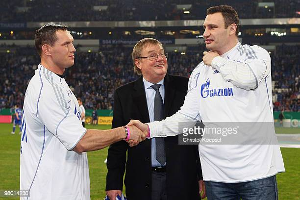 Boxer Albert Sosnowski of Poland and Vitali Klitschko of Ukraine shake hands before their WBO world championship fight which is placed at 29 of March...