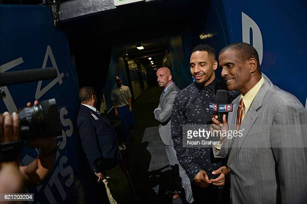 Boxer Andrew Ward talks with David Aldridge before the game between the Golden State Warriors and Oklahoma City Thunder on November 3 2016 at ORACLE...