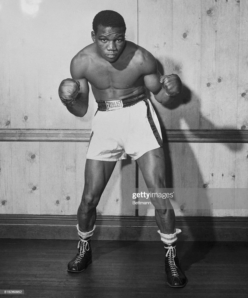 Boxer Benny 'Kid' Paret From Cuba In A Boxing Stance. News
