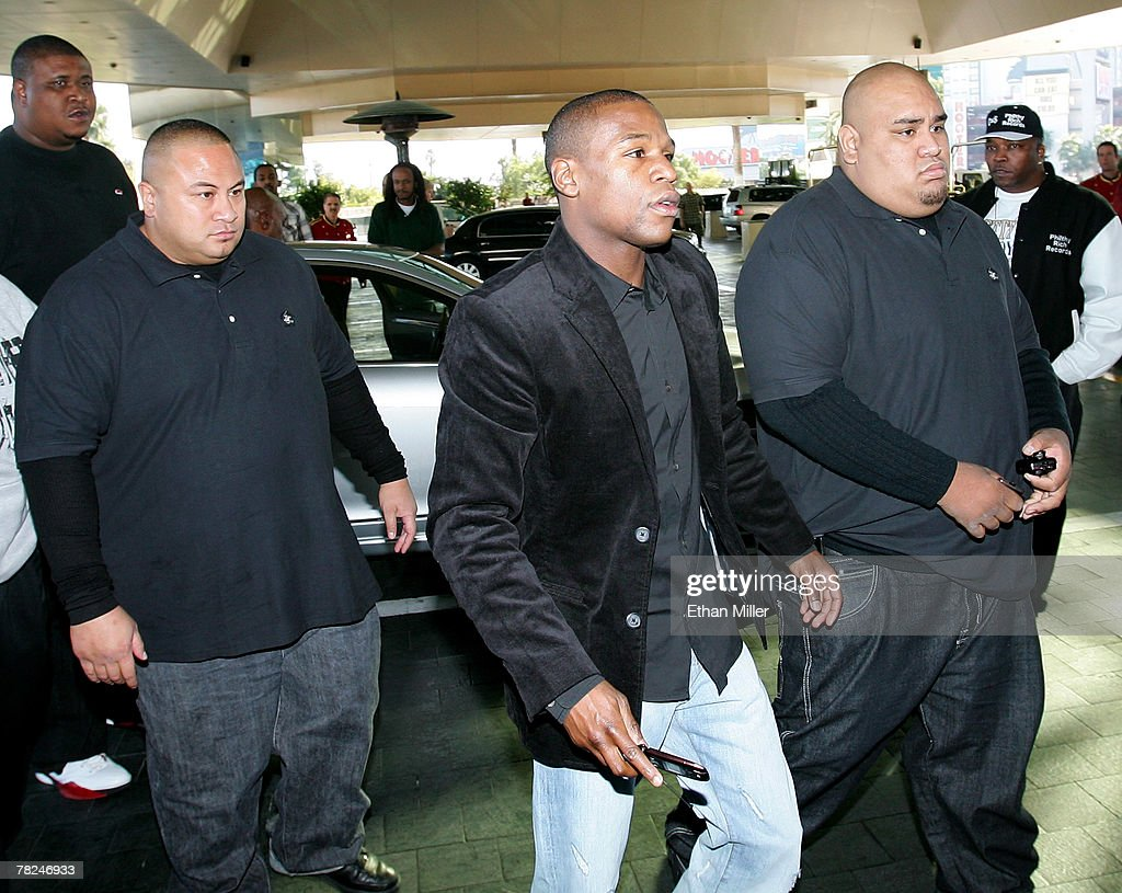 Floyd Mayweather Jr. And Ricky Hatton Fighter Arrivals : News Photo