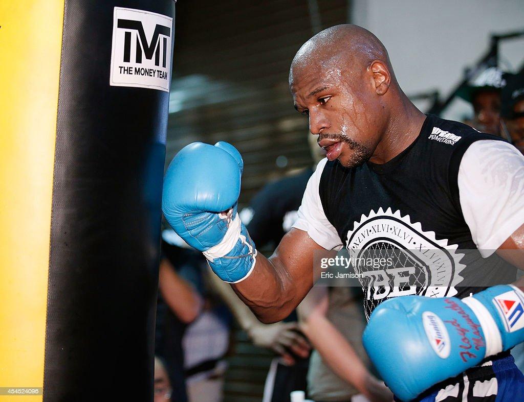 Floyd Mayweather Jr. Media Workout : News Photo