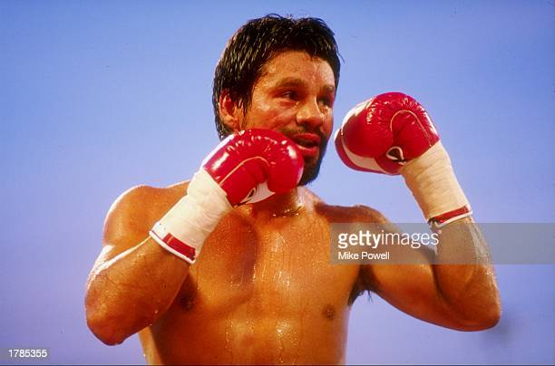 Boxer Roberto Duran in action during his fight against Simms