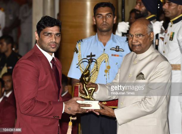 Boxer Subedar Satish Kumar receives Arjuna Award 2018 for his achievements in Boxing from President Ram Nath Kovind at National Sports and Adventure...