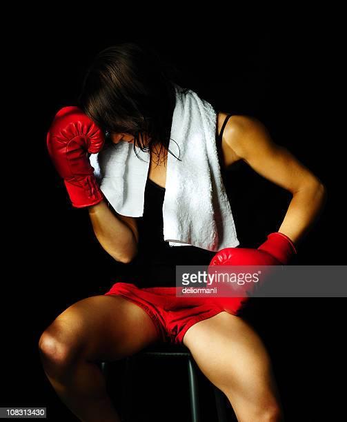 Boxer triste femme en
