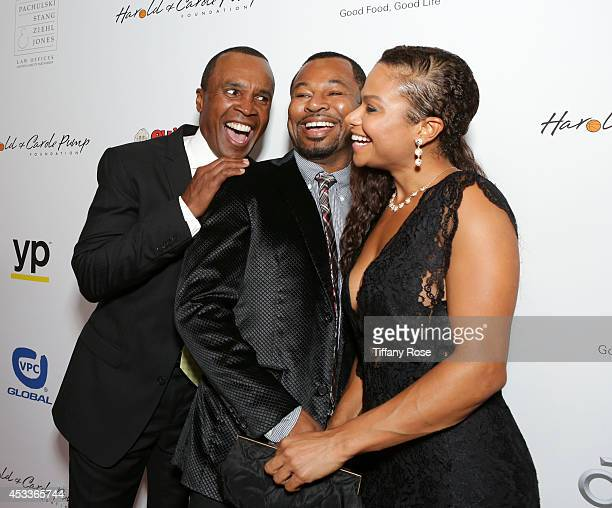 Boxers Sugar Ray Leonard and Sugar Shane Mosley and Bella Gonzalez attend the 14th Annual Harold Carole Pump Foundation Event on August 8 2014 in Los...