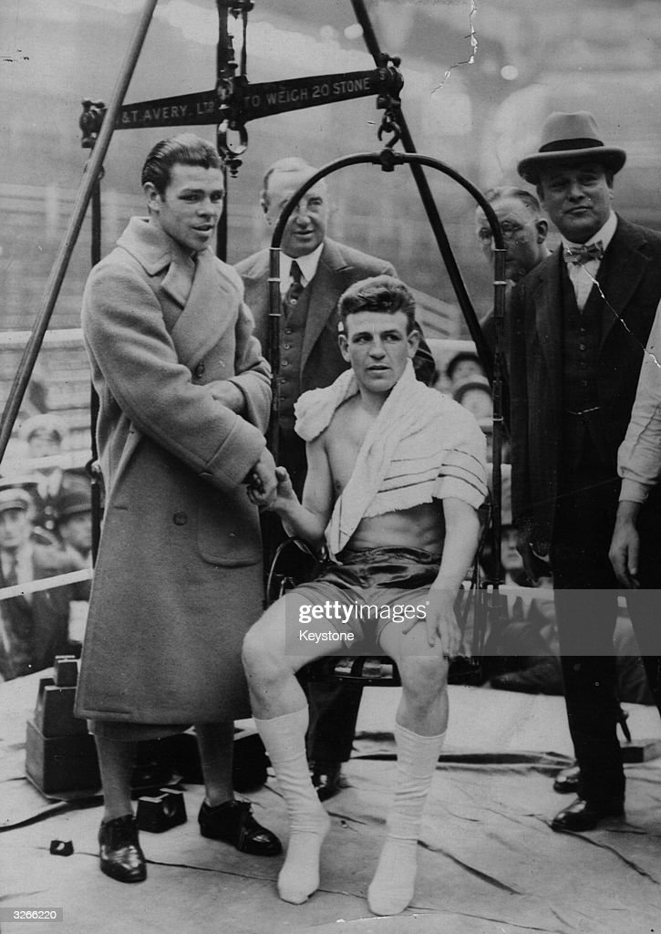 Boxers  Weigh-In : News Photo