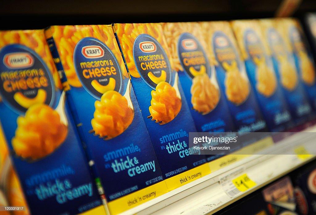 Kraft Foods To Split Into Two Companies : News Photo