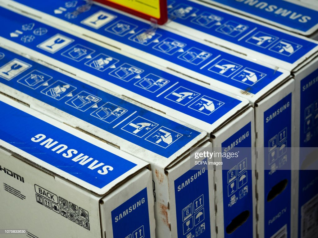 Boxes with Samsung television seen at the store... : News Photo