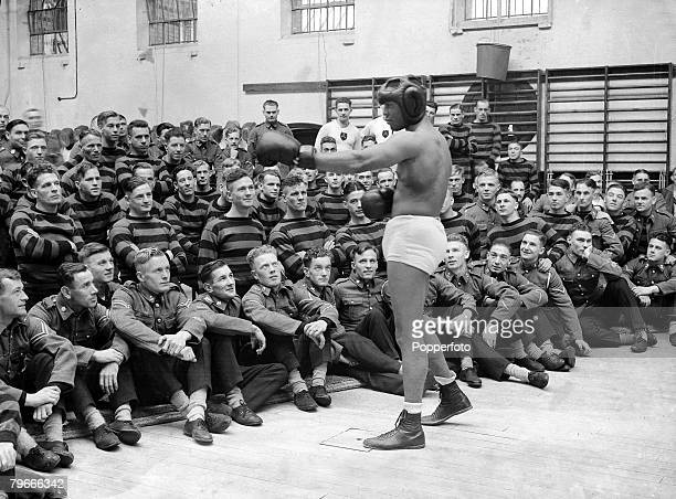 Boxing 20th October 1936 Aldershot England American World LightHeavyweight Champion John Henry Lewis who is to defend his title against Len Harvey is...