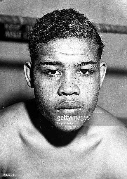 Boxing 22nd August 1937 New York USA Joe Louis known as the Brown Bomber is pictured in training to defend his Heavyweight Championship Title against...