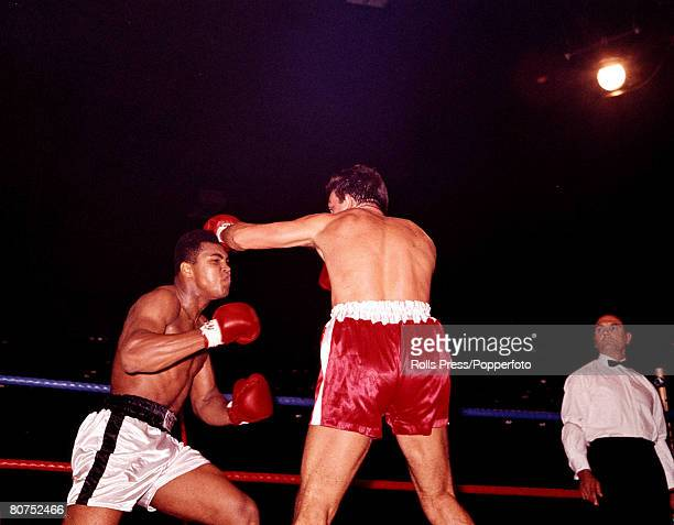 Boxing 6th August 1966 London England Action from the bout between Cassius Clay and Brian London Clay won by knockout in the third round to retain...