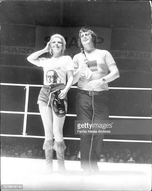 Boxing At Hordern Pavillion TV personality 'Abigail' Malcolm T Elliot Denis Pittard and Bob in the ring before the start of the fights at the Hordern...