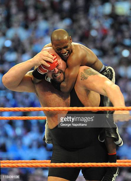 Boxing champion Floyd 'Money' Mayweather battlss the 7 foot 400 pound Big Show in front of 74635 fans at the Citrus Bowl on March 29 2008 in Orlando...
