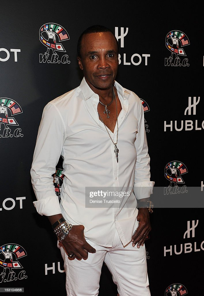 Boxing champion Sugar Ray Leonard arrives at 'A Legendary Evening With Hublot And WBC' at Bellagio Las Vegas on September 29, 2012 in Las Vegas, Nevada.