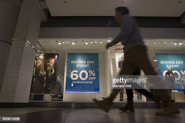 TORONTO ON DECEMBER 26 Boxing Day shoppers at Eaton Centre in Toronto took advantage of the early opening at 7am to take advantage of the sales